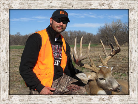 Nebraska Trophy Whitetail & Mule Deer Outfitter